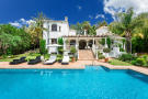 Villa for sale in Costa del Sol, Estepona...