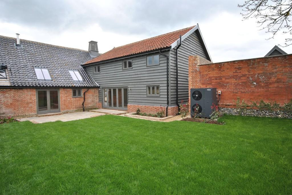 4 Bedroom Barn Conversion For Sale In Redgrave Suffolk Ip22