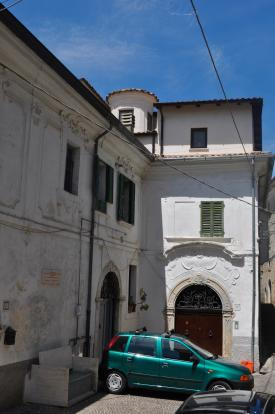 Parking in piazza
