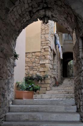 Walkway to property