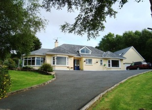 Detached property in Kerry, Kenmare