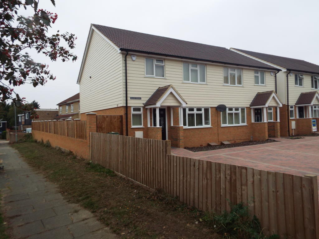 3 bedroom house for rent in basildon 28 images 3 for How much to move a 3 bedroom house