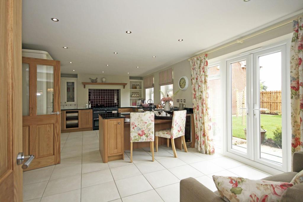 Kitchen/family space