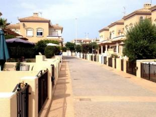 2 bedroom Town House for sale in La Zenia, Orihuela Costa...
