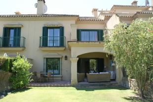 Town House for sale in El Casar Fronda...