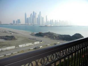 2 bed Flat in Fairmont Residence South...