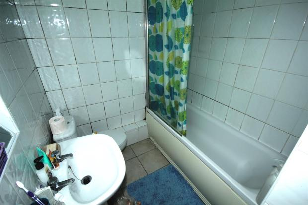 30 Seabourne bathroo