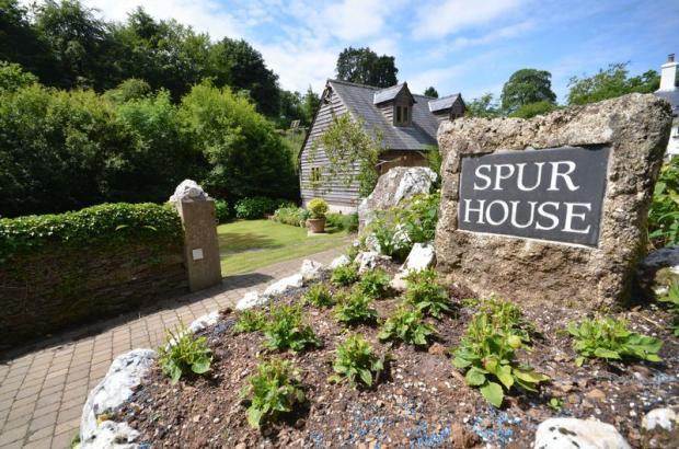 Spur House