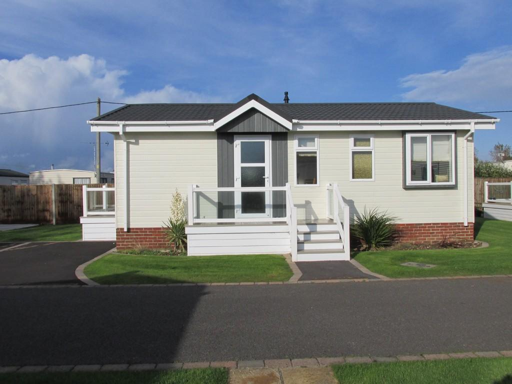 2 Bedroom Mobile Home For Sale In Warners Lane Selsey Po20
