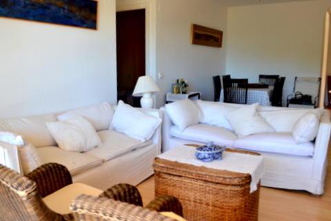 Lounge Sitting Area