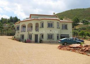 Villa for sale in Lliber, Spain
