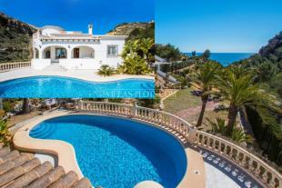 5 bed Villa for sale in Benitachell, Spain