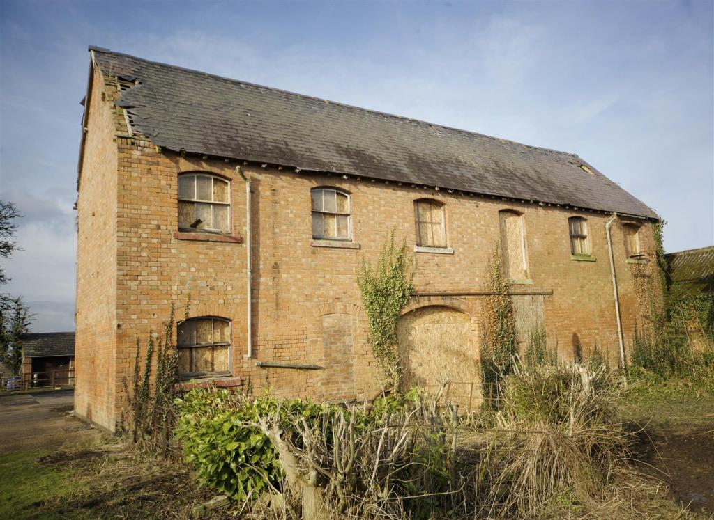 Detached house for sale in The Old Farmhouse Harbury CV33