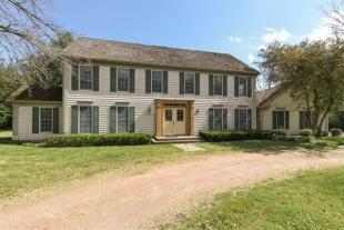 4 bed property in USA - Illinois...