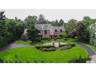 6 bed home in Great Neck, New York