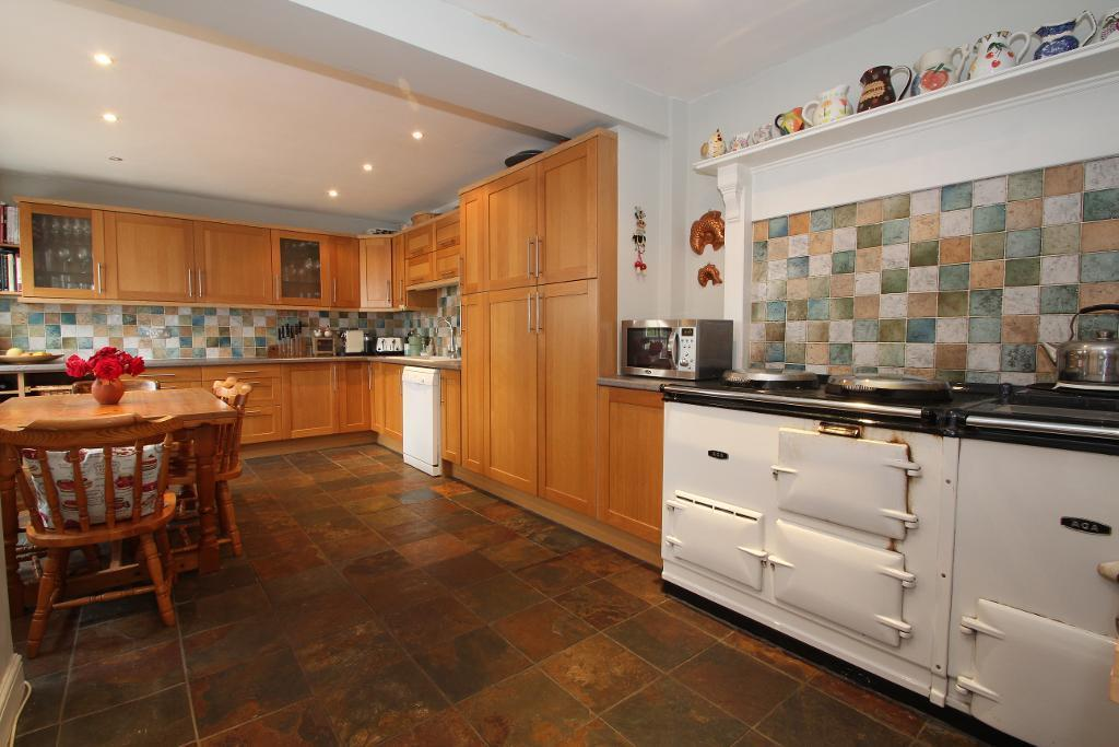 20' Kitchen/Breakfast Room with Aga