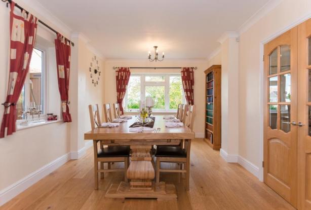 19' dual aspect Dining Room