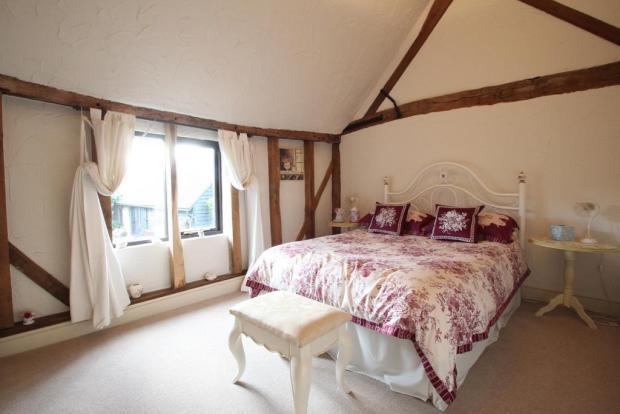 13'2 x 10' Bedroom 3