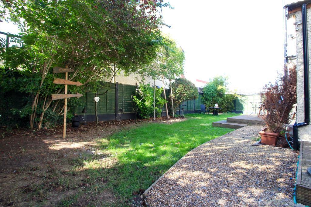 Rear garden extends to the right as well