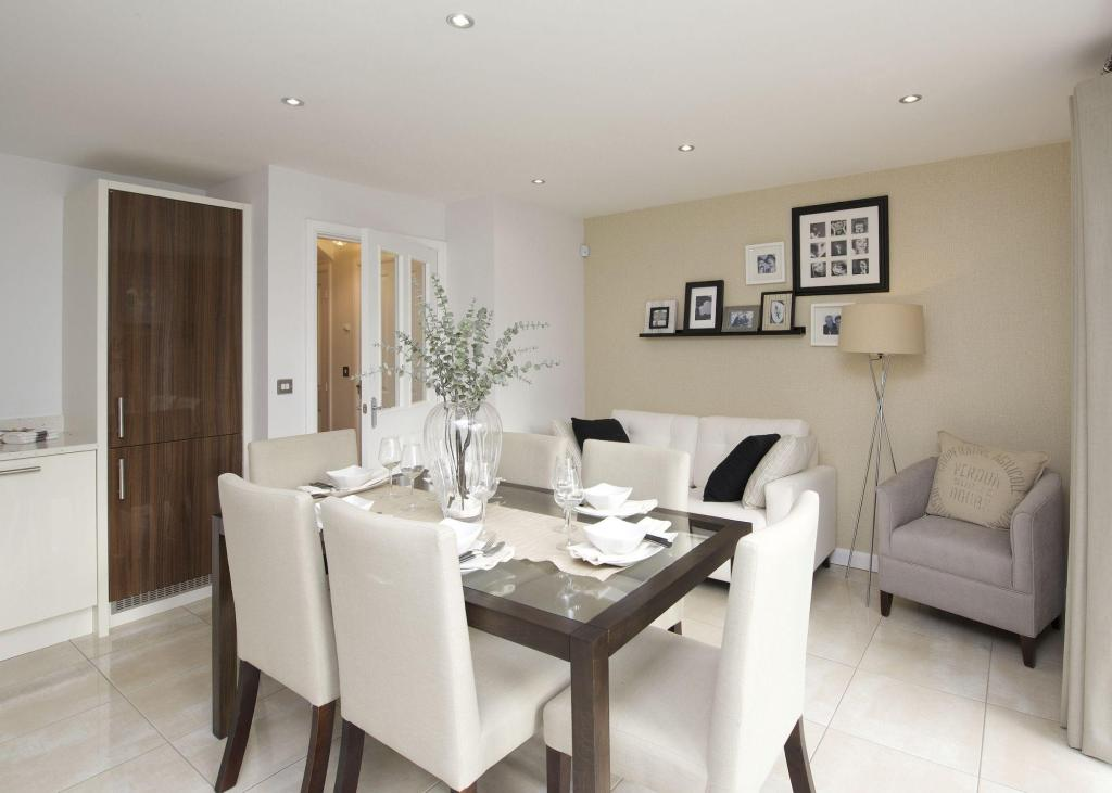 Dining/family areas