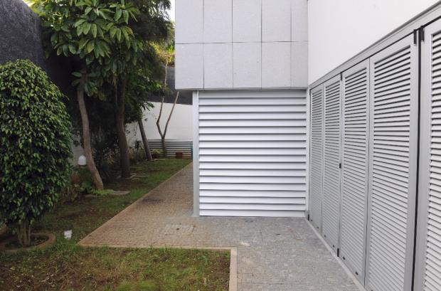 Exterior shutters