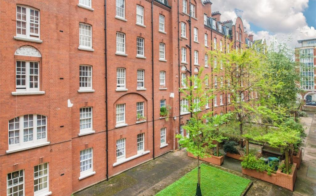 1 Bedroom Apartment To Rent In Norfolk House Regency Street Westminster London Sw1p Sw1p