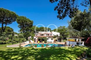 Villa for sale in Quinta do Lago, Algarve...