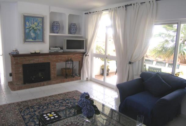 lounge with fireplac