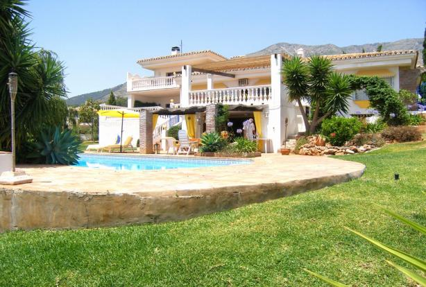 Villa, Pool & Garden