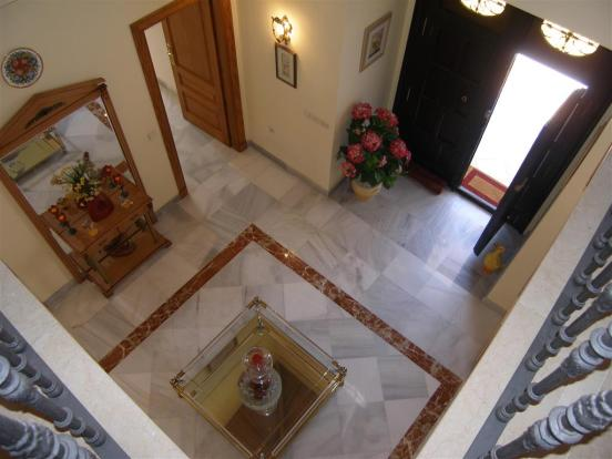 hall entrance from u