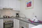 83-kitchen_1060