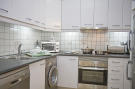 56-kitchen_1130