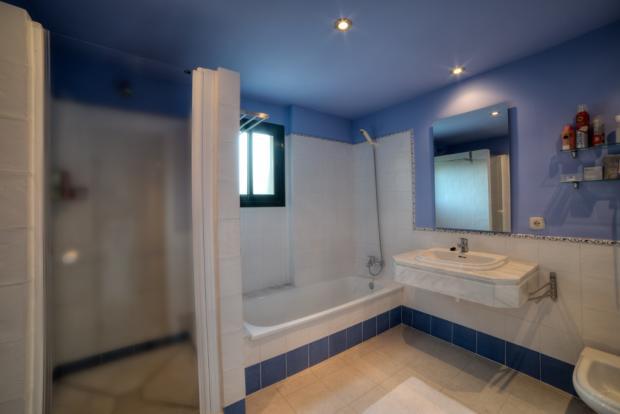 Bathroom 1 - Copy