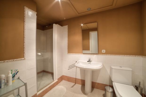 Bathroom 3 - Copy