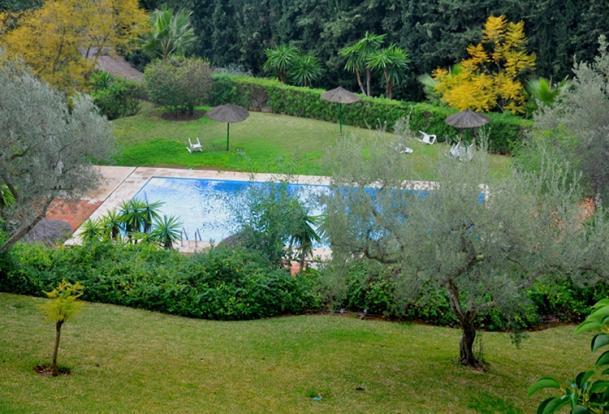 Community Pool & Gar