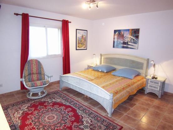 MUR5837 bedroom c