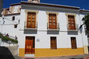 2 bedroom semi detached home for sale in Andalusia, Granada...