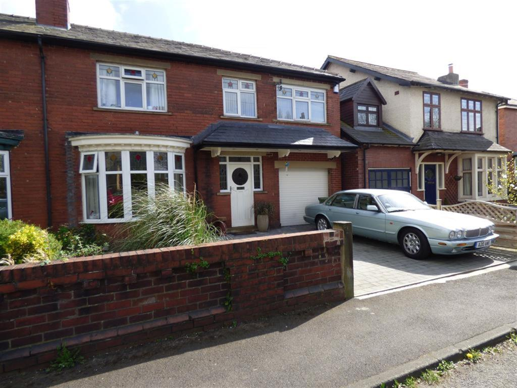 4 bedroom semi-detached house for sale - St Pauls Road, Mirfield, WF14 8AY