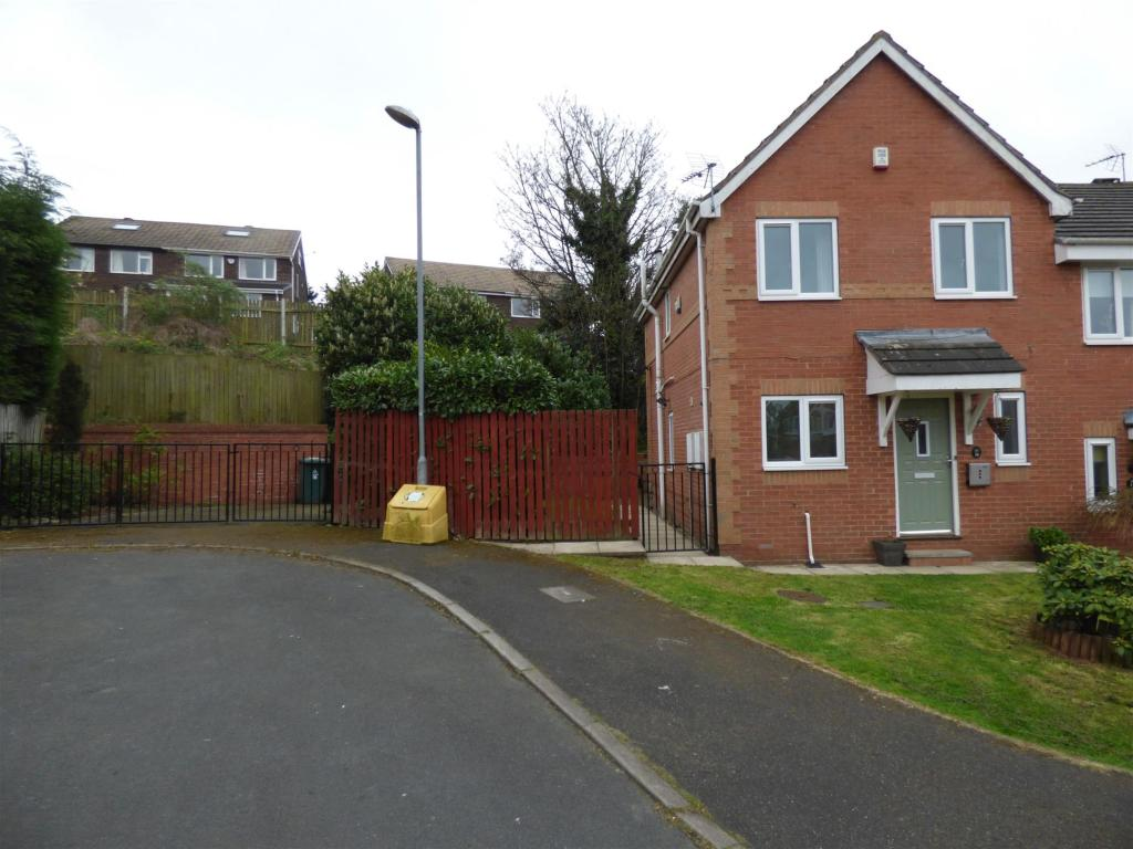 3 bedroom semi-detached house for sale - Fisher Way, Heckmondwike, WF16 0BU