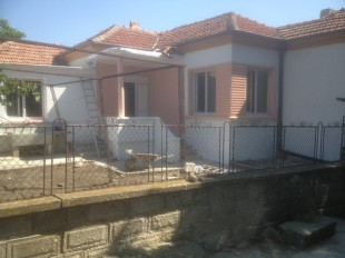 Detached house in Burgas, Aytos
