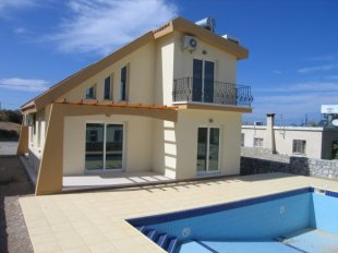 Villa for sale in Kyrenia, Karsiyaka