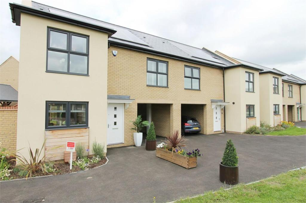 3 Bedroom Terraced House For Sale In Cranesbill Close Orchard Park Cambridge Cb4