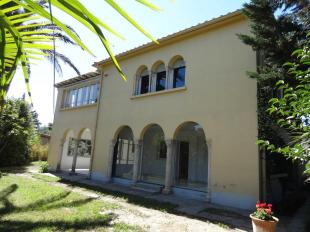 8 bed house in Languedoc-Roussillon...