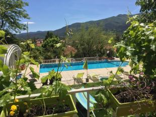Villa for sale in C�ret...