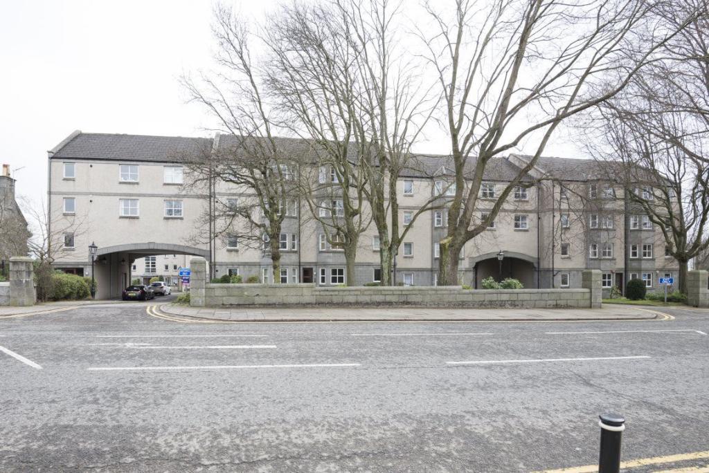 2 Bedroom Flat To Rent In Ruthrieston Court Aberdeen Ab10