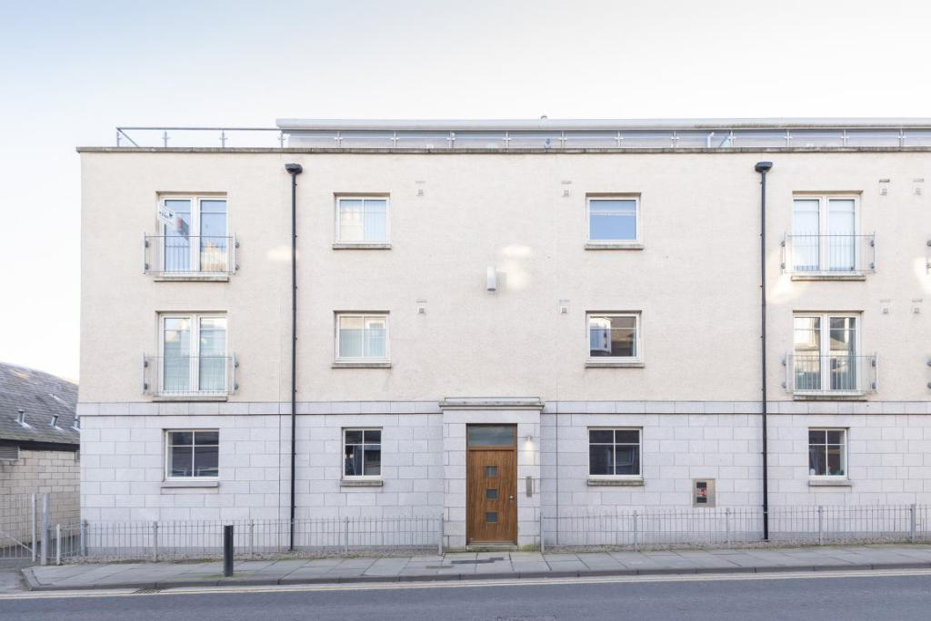 2 Bedroom Flat To Rent In Broomhill Road Aberdeen Ab10