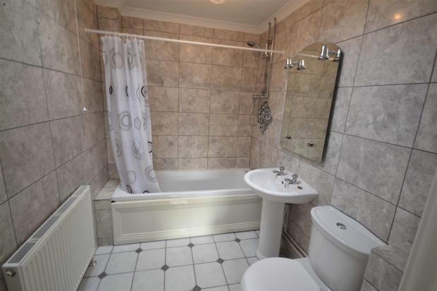 West St - Bathroom.j