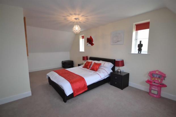 Oak Lane Bedroom Fou