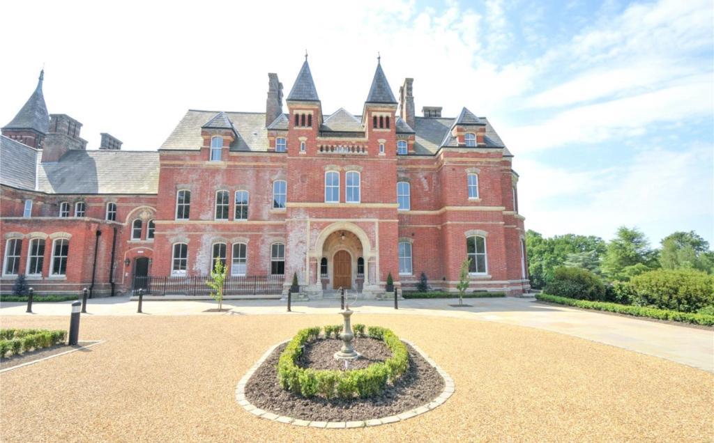 Lillesden House
