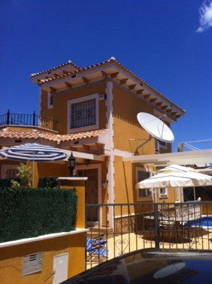 3 bed Detached home in Valencia, Alicante...
